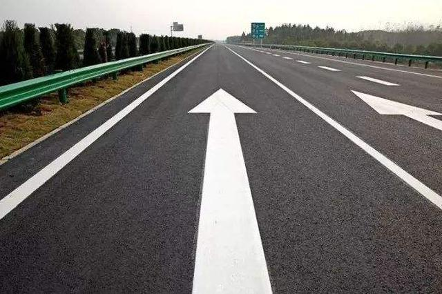 京沪高速临沂段改扩建项目完成 全线首段沥青上面层试验路全断