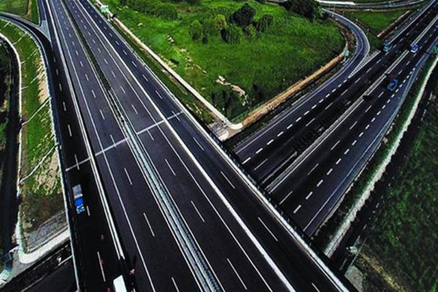 胶州湾大桥李村河互通立交匝道工程首孔箱梁成功浇筑