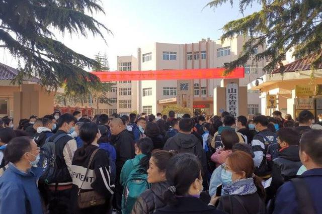 学生报班突击学校教学受扰 火爆的高中自招能否降降温