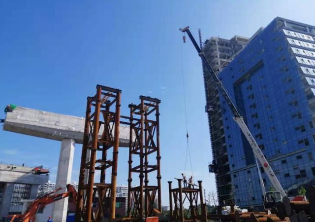 济宁火炬路跨线桥工程进入箱梁及桥面快速施工阶段