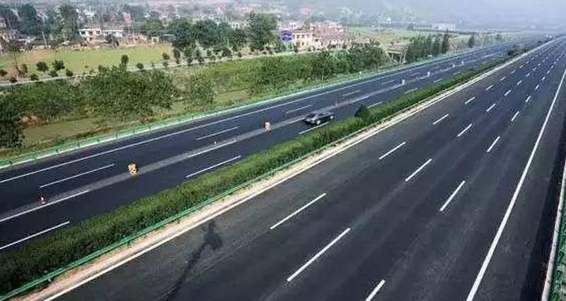 枣菏高速完成东鱼河北支大桥左幅14-3箱梁浇筑