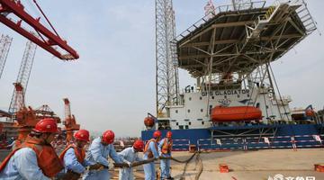 青岛造多功能自升式海工平台出口阿联酋