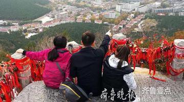 初冬时节登千佛山 姹紫嫣红层林尽染