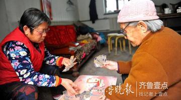 厉害 济南102岁老寿星打得一手好麻将