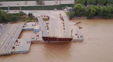 黄河又要来大水 济南沿途的浮桥都拆了
