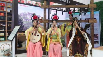 杂技古乐舞蹈成人礼 山东文博会上精彩演出你看了吗