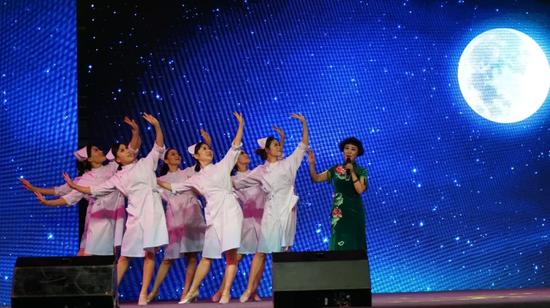 梅花奖获得者国家一级演员  吕凤琴 演唱《梦中的眷恋》