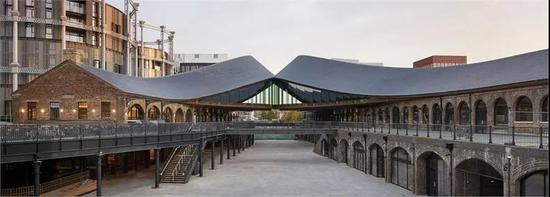 伦敦国王十字路口的两座铁路建筑始建于维多利亚时代,现在已被重新改造成一个拥有近60个单元的新购物区。(图片来源于网络)