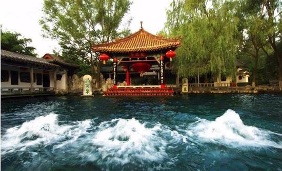 济南趵突泉(图片来源于网络)