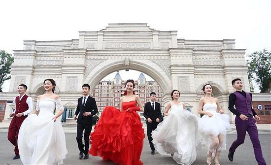 520打卡方特,泉城首场婚纱跑