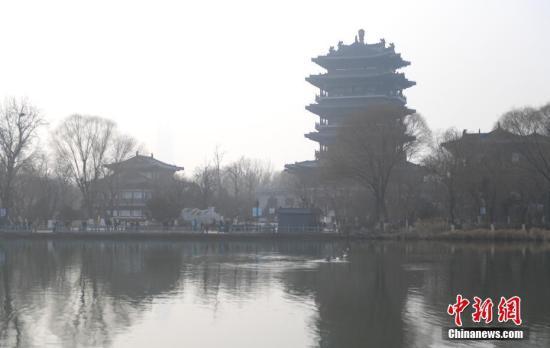 资料图:济南大明湖。中新社记者 张勇 摄