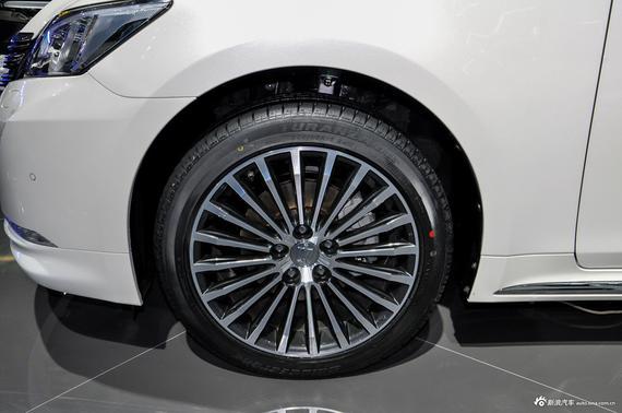 动力方面,此前申报的5款车型均配备8AR型2.0T发动机,最大功率235马力,传动系统将继续匹配8速手自一体变速箱。