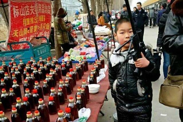 济南蓝翔路大集剪影 热闹红火