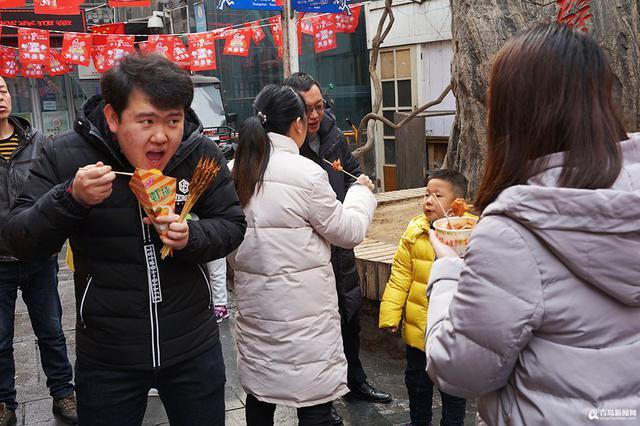 春节近尾声 劈柴院游客依旧爆棚