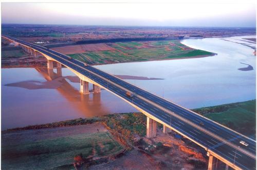 黄河公路大桥确定改扩建方案