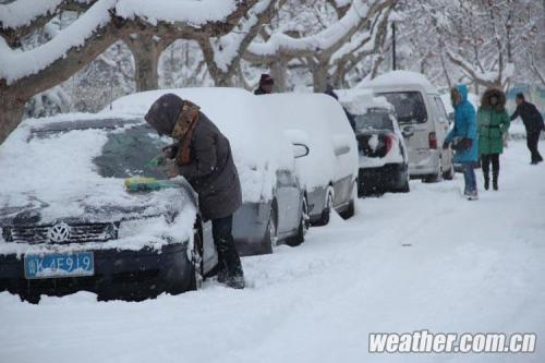 大雪拦路  青岛去烟台威海等地长途车临时停发