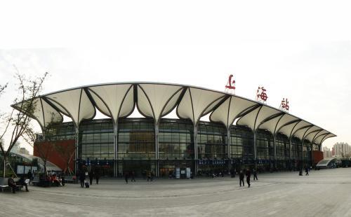 上海火车站开展可疑爆炸物警情演练:民警9秒可抵达现场
