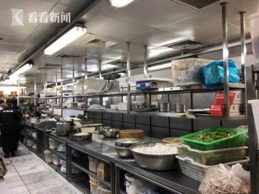 沪一人气饭店拖欠巨额房租 法院依法搜查扣押财物