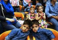 伊朗举行双胞胎节试图破纪录