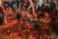 哥伦比亚举行番茄大战
