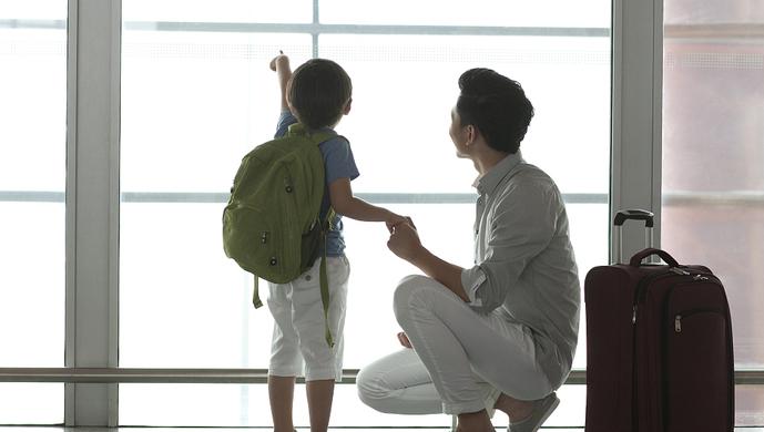 市民旅游网站订全家欧洲游 10岁孩子被要求补交5000元