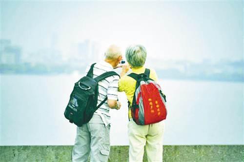 端午假期申城公园绿地迎游览小高峰 市民举家出游