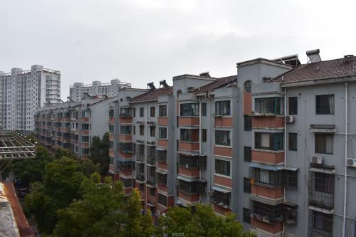 曹杨新村街道仅用11个月完成加装电梯 创上海最快纪录