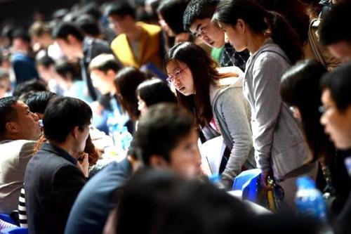上海迎今年第一波求职高峰 各类招工诈骗案件高发