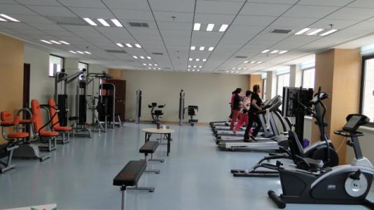 上海首家全人群社区健身中心落成 实现三代同堂齐锻炼