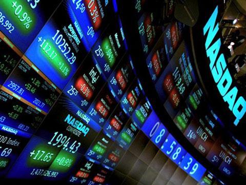 全球股市遭遇黑色星期四 A股三大股指均暴跌逾5%
