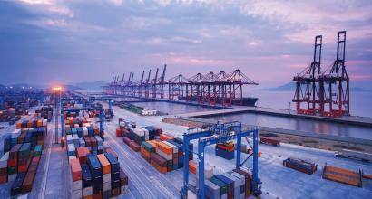 上海4月份进出口2641.8亿元 比客岁同期增长1.9%
