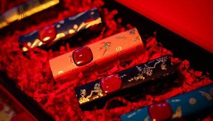 个性消费市场火热:故宫口红、家用取暖器等商品受青睐