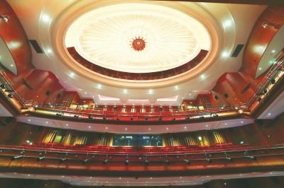 88歲中國大戲院復出迎客 開幕演出季將持續至9月底