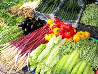 上海蔬菜价跌入本年以来最低点 大年夜宗蔬菜跌至1-2元/斤