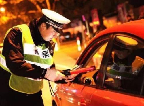 上海持续集中查处酒驾 交警部门:不要有侥幸心理