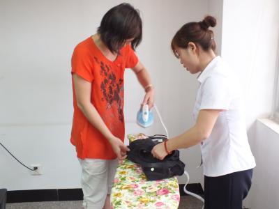 沪超半数家政员计划回家过年 替工时薪涨至60元/时