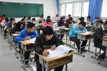 上海高中学业考周日十点起可查成绩评价报告