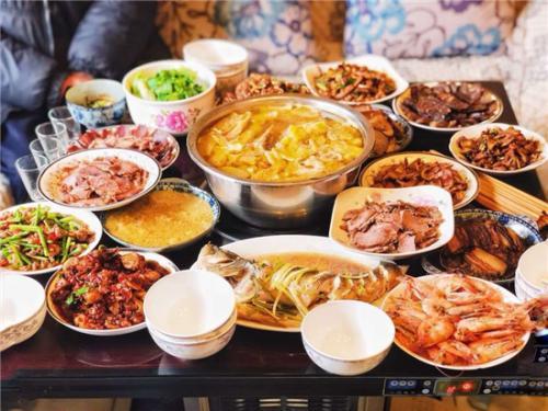沪上老牌饭店年夜饭被预订一空 部分饭店推半成品套餐