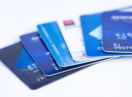 2名外籍人士来沪盗取银行卡信息 在ATM机安装设备被抓