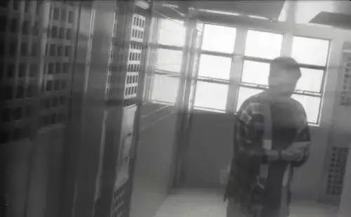 警方破22年前悬案:男子惨死家中 嫌犯潜逃外地成老板
