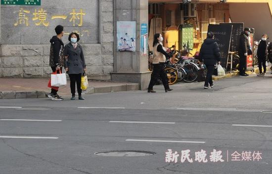 图说:高境新村很多居民被如厕问题深深困扰 新民晚报记者 王军/摄(下同)