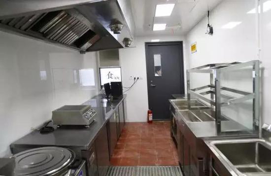 独立的标配厨房