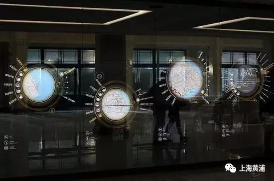 ▲一层的互动墙展开上海简史