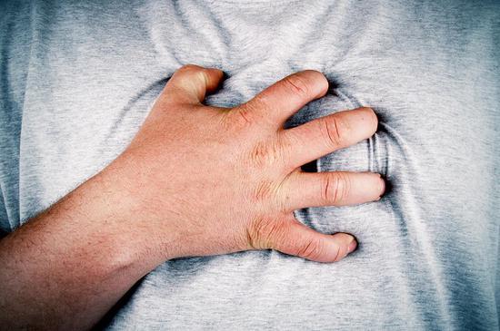 沪41岁球迷熬夜看球心脏衰竭 医生:心脏犹如80岁老人