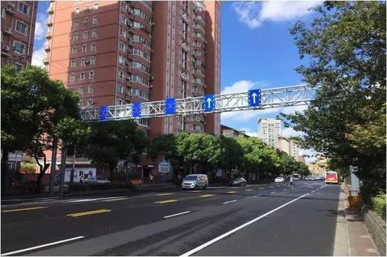 殷高西路增设可变车道 沪11月底消除50处道路拥堵点