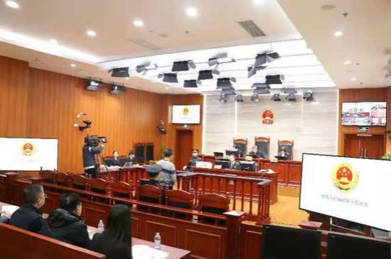 图说:庭审现场。虹口检察院供图