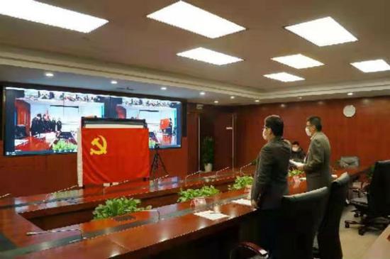 图说:上海市生态环境局成立10支疫情防控环保铁军突击队。上海市生态环境局 供图