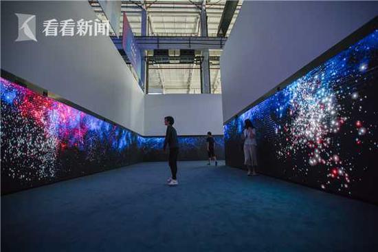 视频:探营世界人工智能大会 星云幕墙是如何诞生的