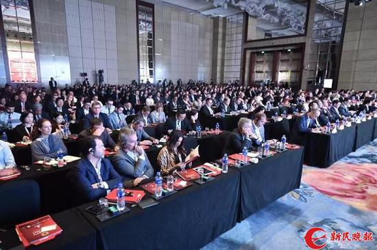 """图说:""""三一论坛""""在沪开幕 新民晚报记者 陈梦泽 摄(下同)"""