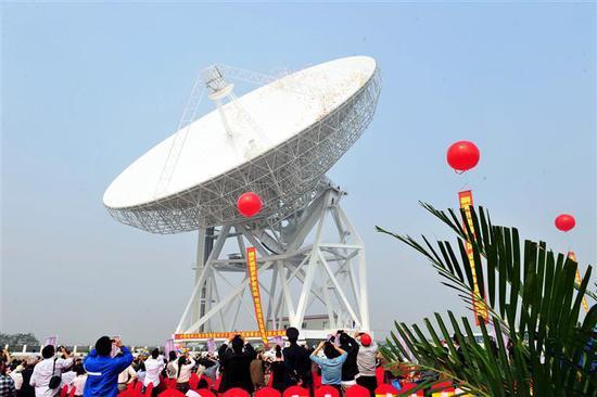 上海65米射电望远镜 新华社 发